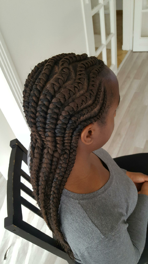 christelle vry ma coiffeuse afro r servez un coiffeur afro 7j 7. Black Bedroom Furniture Sets. Home Design Ideas