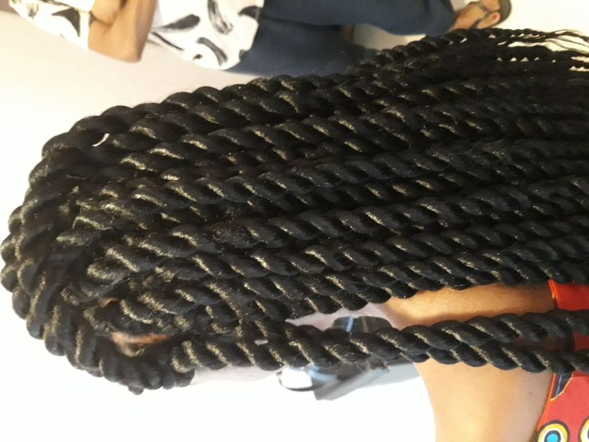 salon de coiffure afro tresse tresses box braids crochet braids vanilles tissages paris 75 77 78 91 92 93 94 95 SFCOVMEA