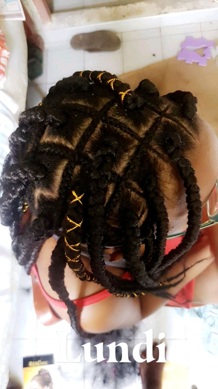 salon de coiffure afro tresse tresses box braids crochet braids vanilles tissages paris 75 77 78 91 92 93 94 95 RCQKGWOS