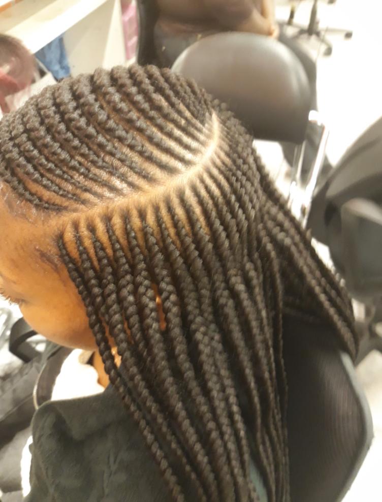 salon de coiffure afro tresse tresses box braids crochet braids vanilles tissages paris 75 77 78 91 92 93 94 95 EKVSCXMT