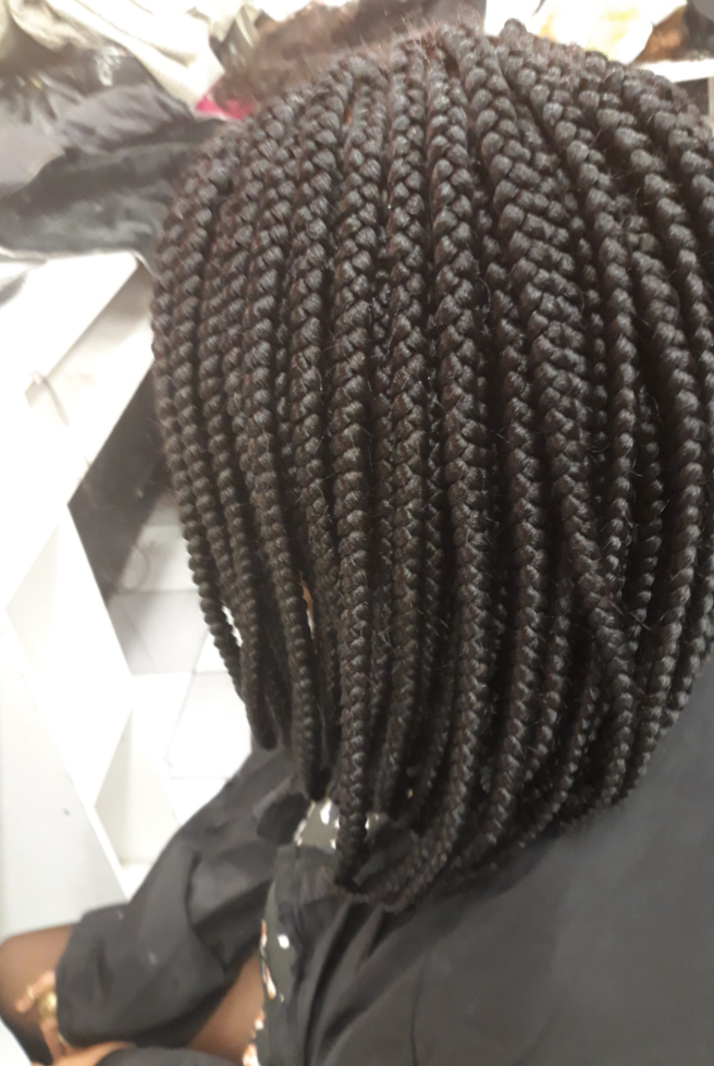 salon de coiffure afro tresse tresses box braids crochet braids vanilles tissages paris 75 77 78 91 92 93 94 95 UVNLYNIE