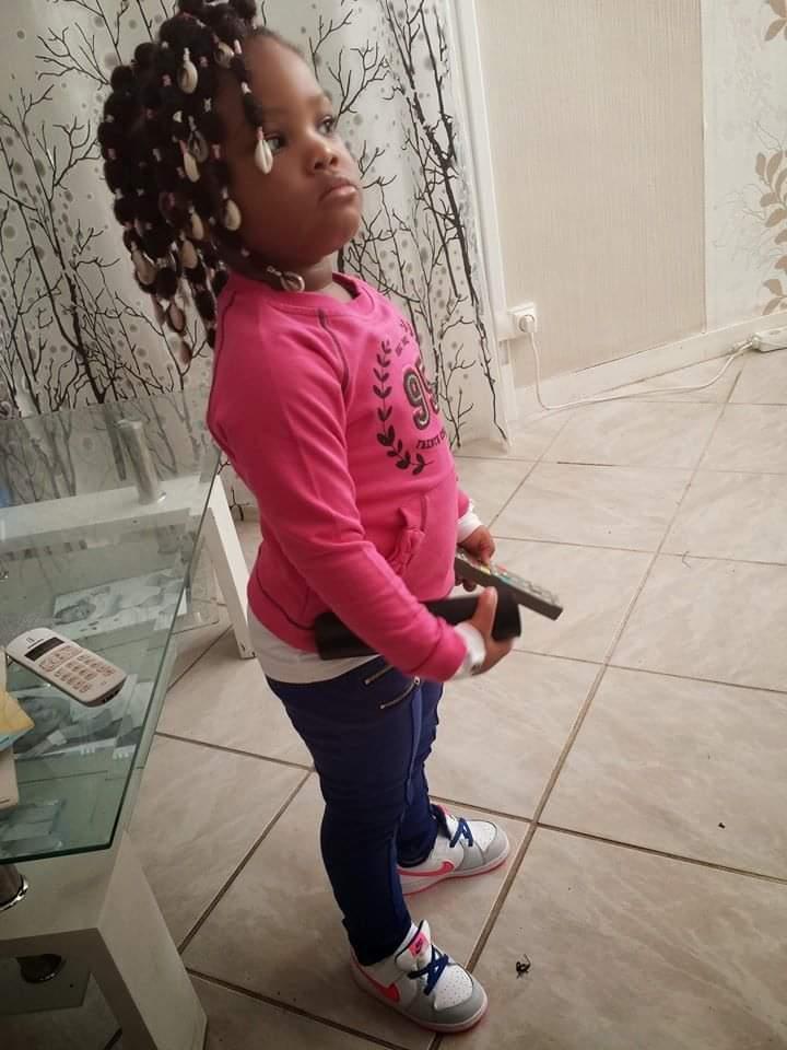 salon de coiffure afro tresse tresses box braids crochet braids vanilles tissages paris 75 77 78 91 92 93 94 95 FRGHHBZM