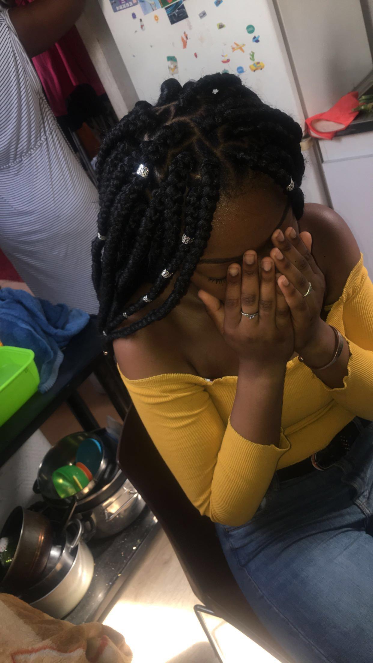 salon de coiffure afro tresse tresses box braids crochet braids vanilles tissages paris 75 77 78 91 92 93 94 95 UMGXMSMC