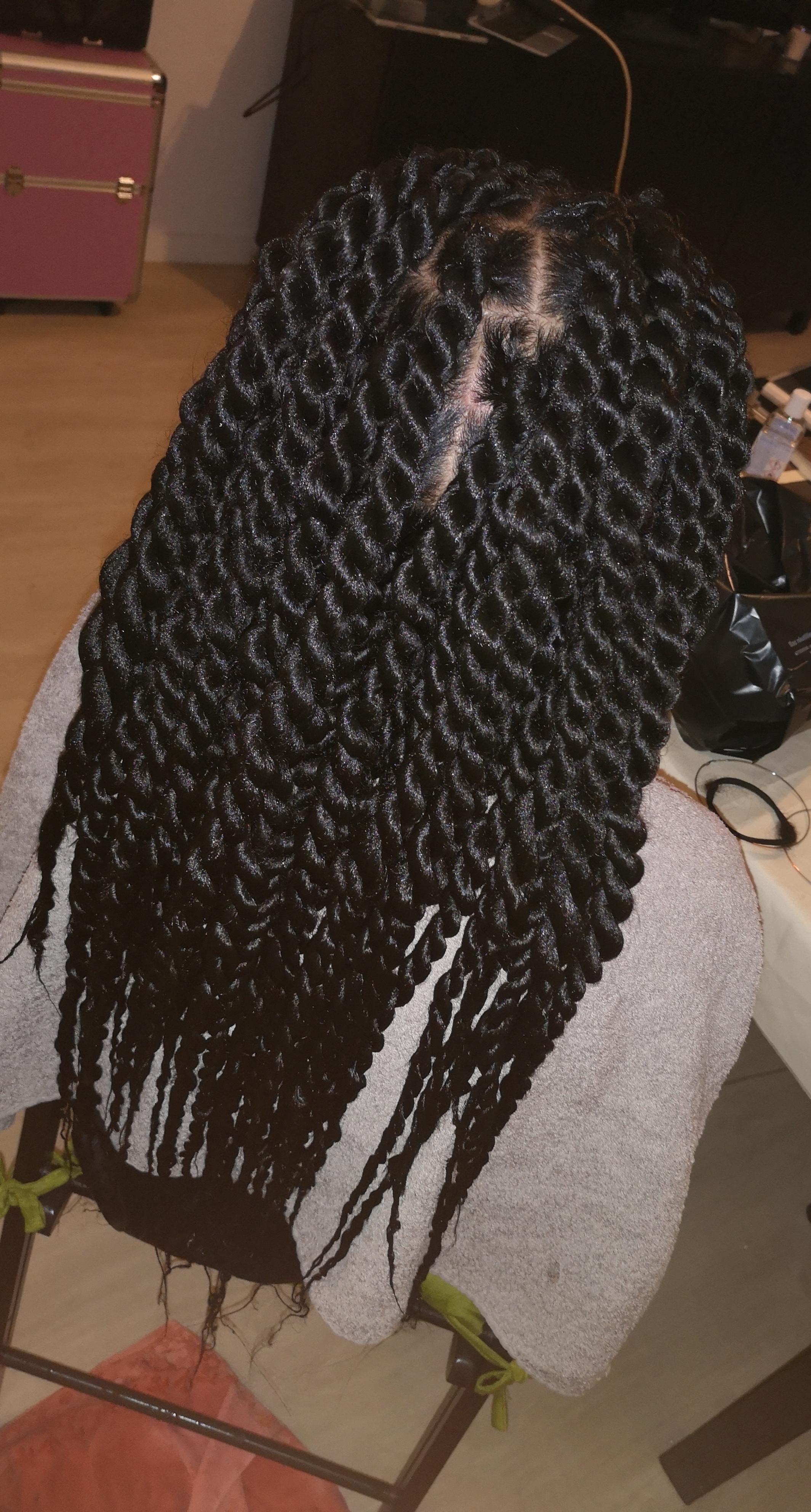 salon de coiffure afro tresse tresses box braids crochet braids vanilles tissages paris 75 77 78 91 92 93 94 95 CYIFYLNJ