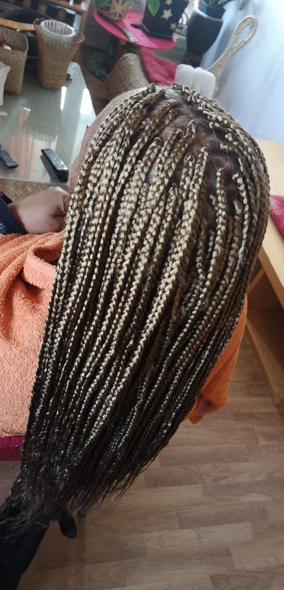 salon de coiffure afro tresse tresses box braids crochet braids vanilles tissages paris 75 77 78 91 92 93 94 95 YUUXNTJD
