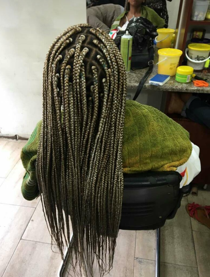 salon de coiffure afro tresse tresses box braids crochet braids vanilles tissages paris 75 77 78 91 92 93 94 95 LNEQDCNK