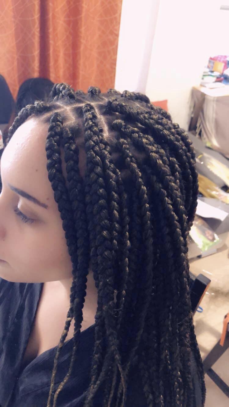 salon de coiffure afro tresse tresses box braids crochet braids vanilles tissages paris 75 77 78 91 92 93 94 95 MPNSKYHB