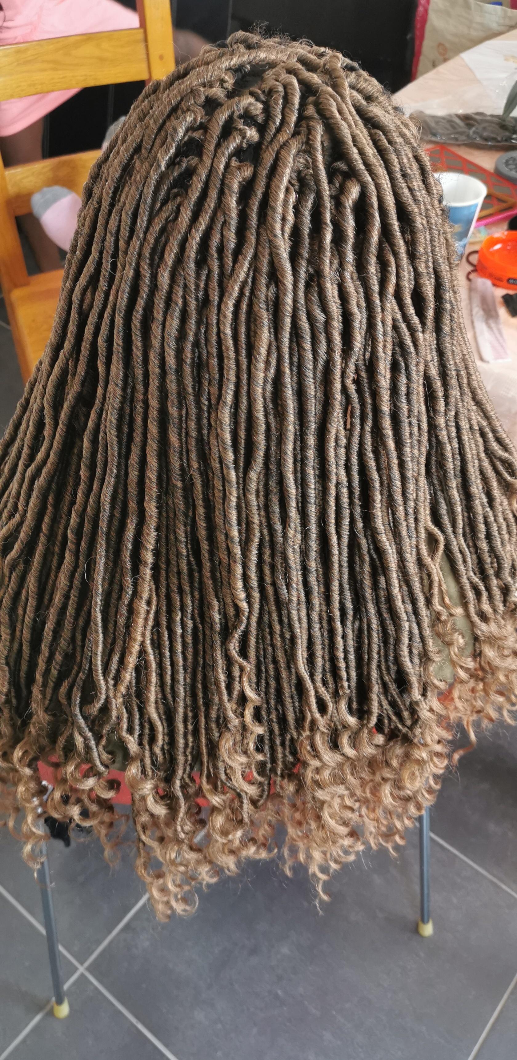 salon de coiffure afro tresse tresses box braids crochet braids vanilles tissages paris 75 77 78 91 92 93 94 95 IQCVHGDK