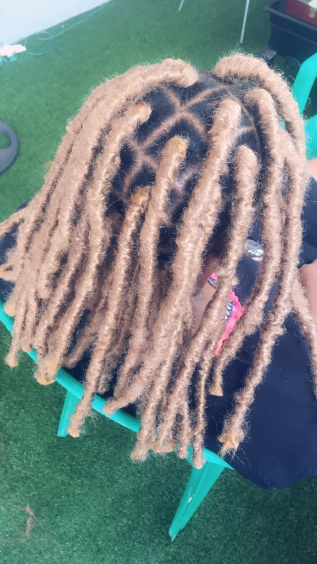 salon de coiffure afro tresse tresses box braids crochet braids vanilles tissages paris 75 77 78 91 92 93 94 95 MHNIGCVT