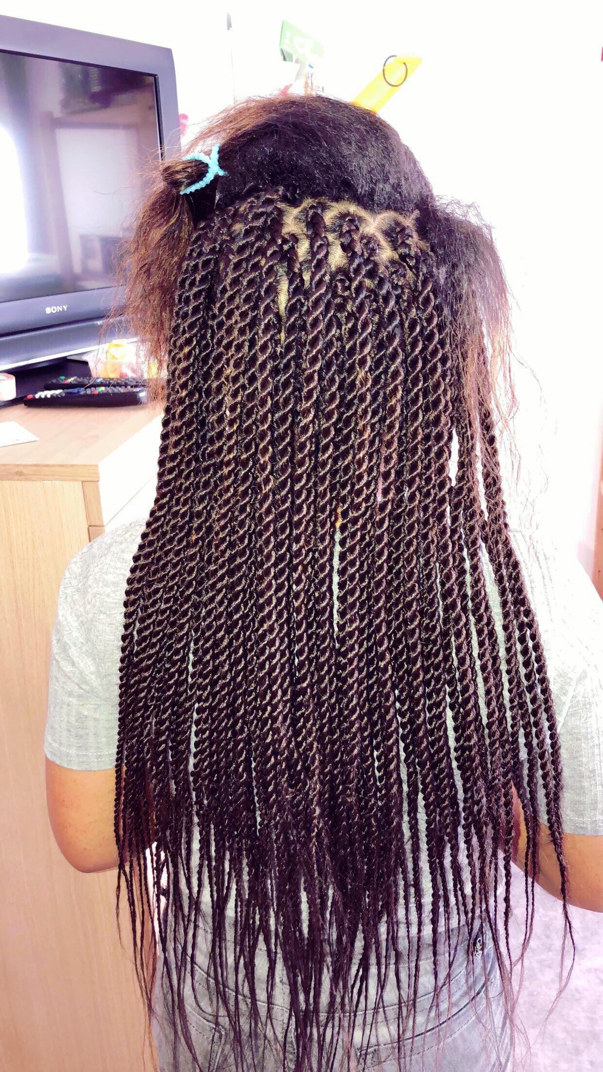 salon de coiffure afro tresse tresses box braids crochet braids vanilles tissages paris 75 77 78 91 92 93 94 95 SGMDZXSU