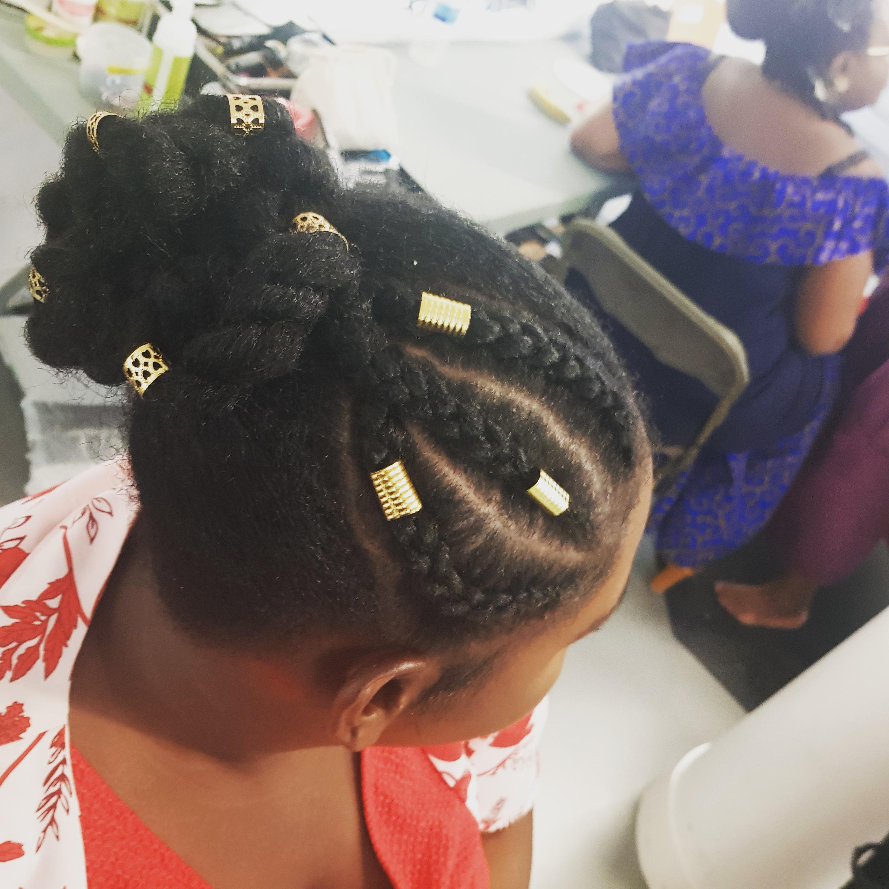 salon de coiffure afro tresse tresses box braids crochet braids vanilles tissages paris 75 77 78 91 92 93 94 95 SOCGLQZI