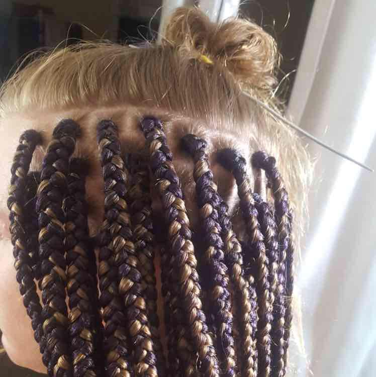salon de coiffure afro tresse tresses box braids crochet braids vanilles tissages paris 75 77 78 91 92 93 94 95 QYWTQGEY