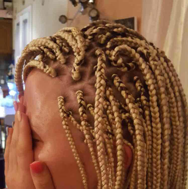 salon de coiffure afro tresse tresses box braids crochet braids vanilles tissages paris 75 77 78 91 92 93 94 95 NECIWOQO