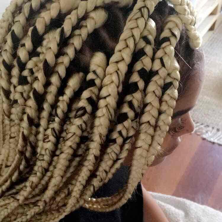 salon de coiffure afro tresse tresses box braids crochet braids vanilles tissages paris 75 77 78 91 92 93 94 95 MVEKTJUH