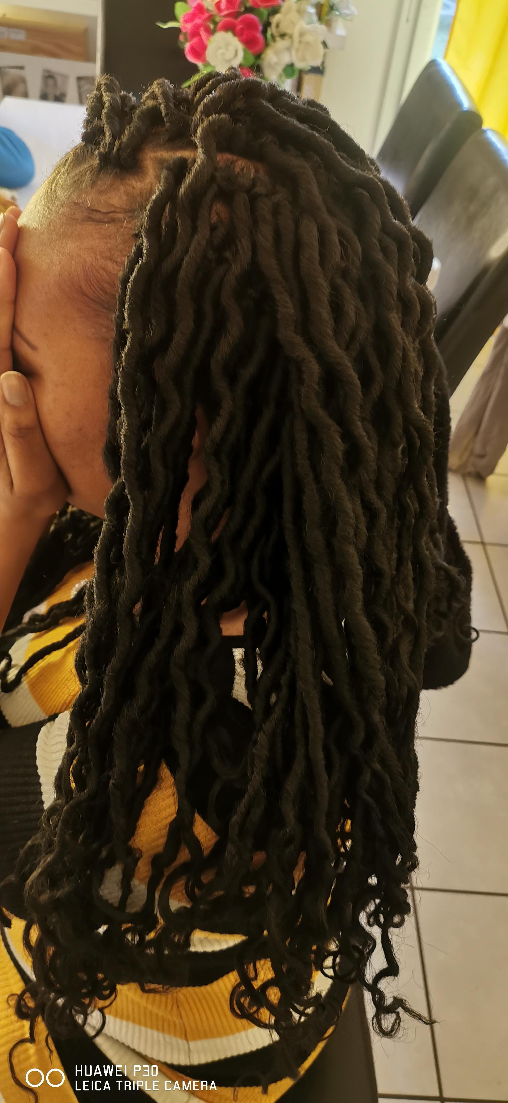 salon de coiffure afro tresse tresses box braids crochet braids vanilles tissages paris 75 77 78 91 92 93 94 95 CVUEJAKE
