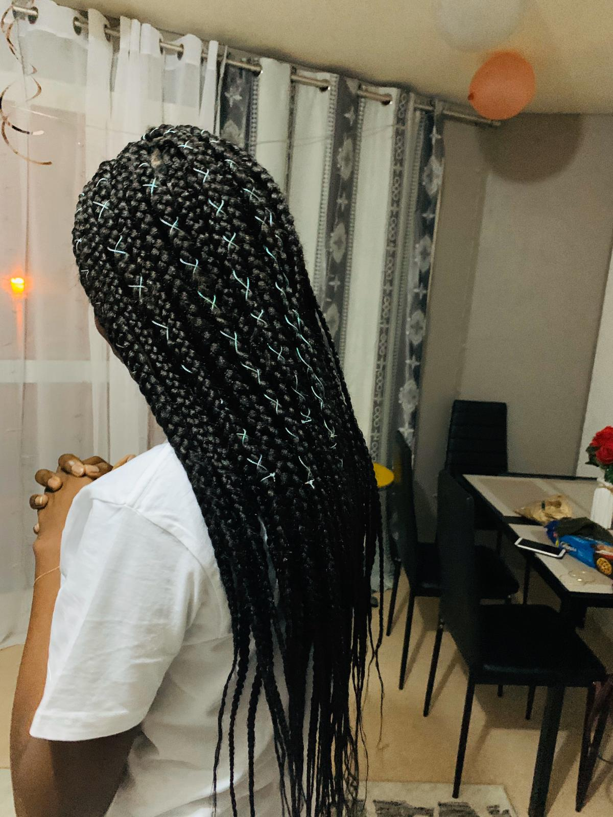 salon de coiffure afro tresse tresses box braids crochet braids vanilles tissages paris 75 77 78 91 92 93 94 95 PLBWLLGH