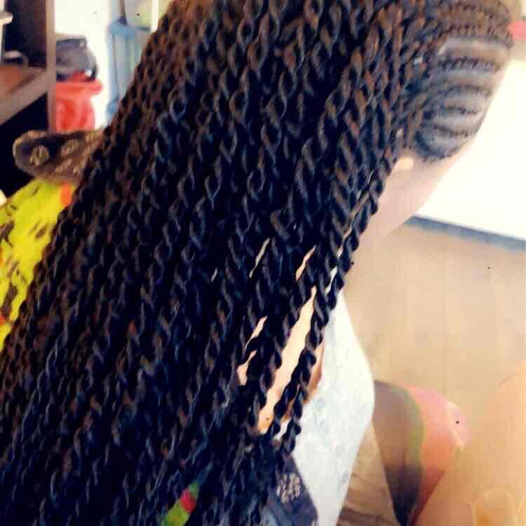 salon de coiffure afro tresse tresses box braids crochet braids vanilles tissages paris 75 77 78 91 92 93 94 95 EPJBJCGO