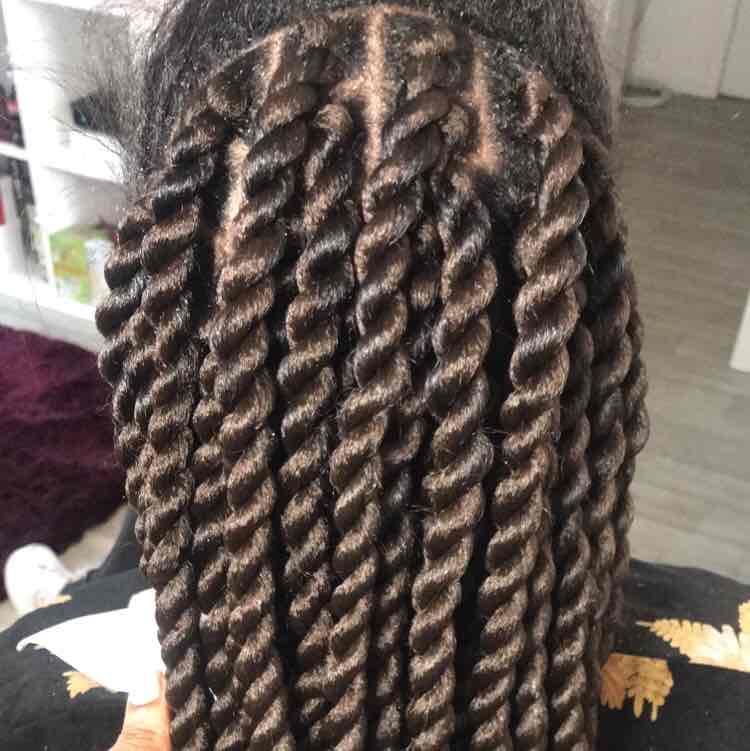 salon de coiffure afro tresse tresses box braids crochet braids vanilles tissages paris 75 77 78 91 92 93 94 95 CVPAEHUS