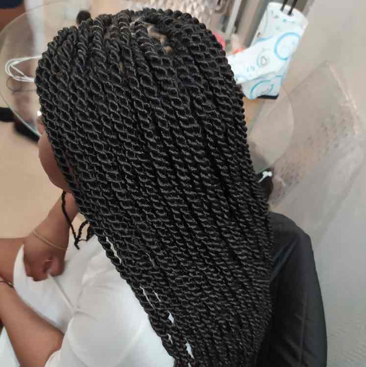 salon de coiffure afro tresse tresses box braids crochet braids vanilles tissages paris 75 77 78 91 92 93 94 95 SQFHUNLY