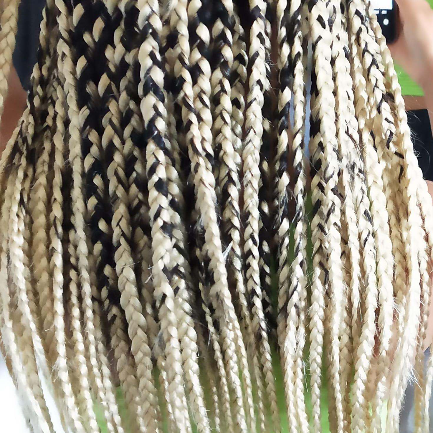 salon de coiffure afro tresse tresses box braids crochet braids vanilles tissages paris 75 77 78 91 92 93 94 95 QFGLQTWV