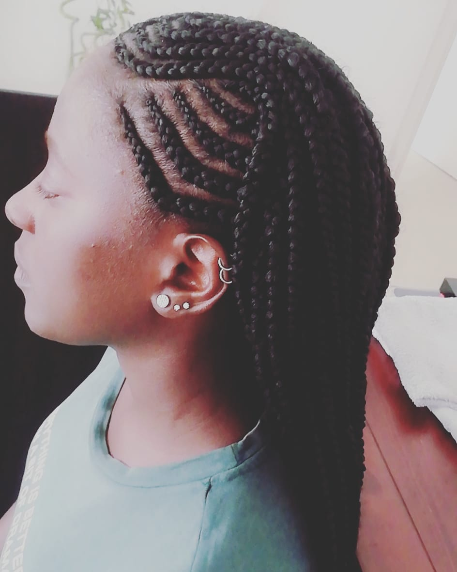 salon de coiffure afro tresse tresses box braids crochet braids vanilles tissages paris 75 77 78 91 92 93 94 95 SWERCUTN
