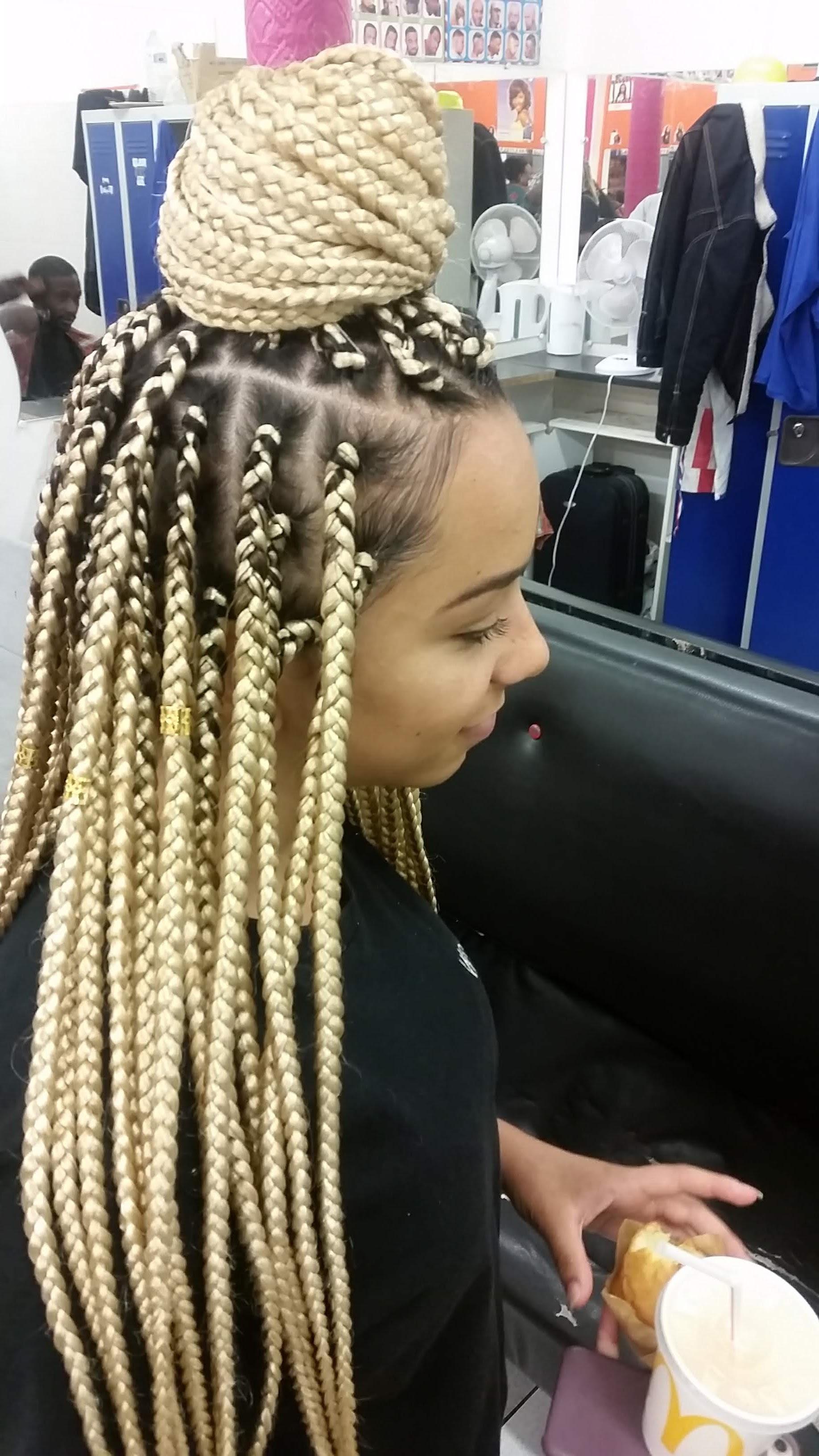 salon de coiffure afro tresse tresses box braids crochet braids vanilles tissages paris 75 77 78 91 92 93 94 95 KUUMBOEX