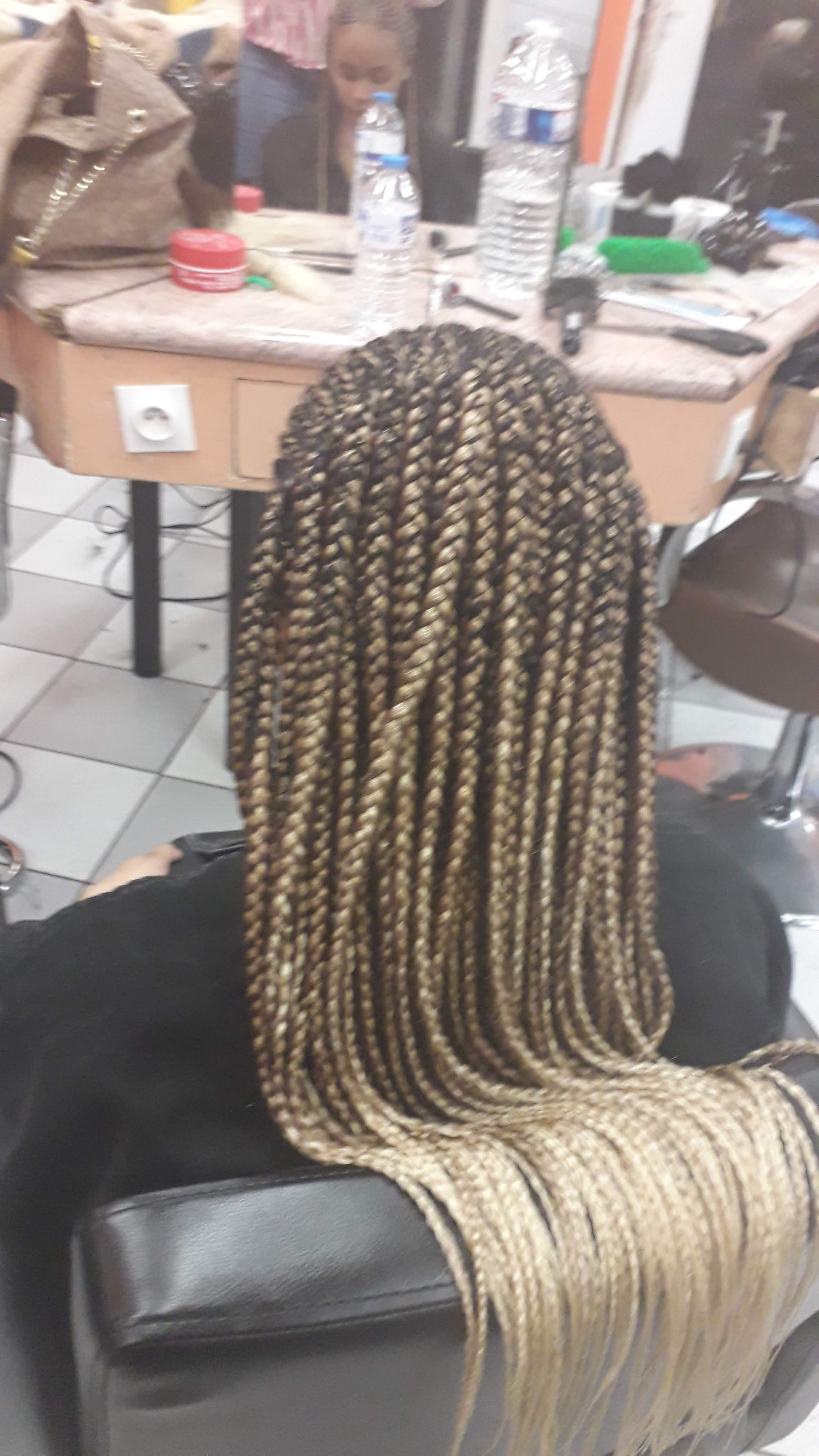 salon de coiffure afro tresse tresses box braids crochet braids vanilles tissages paris 75 77 78 91 92 93 94 95 WGRJCZGA