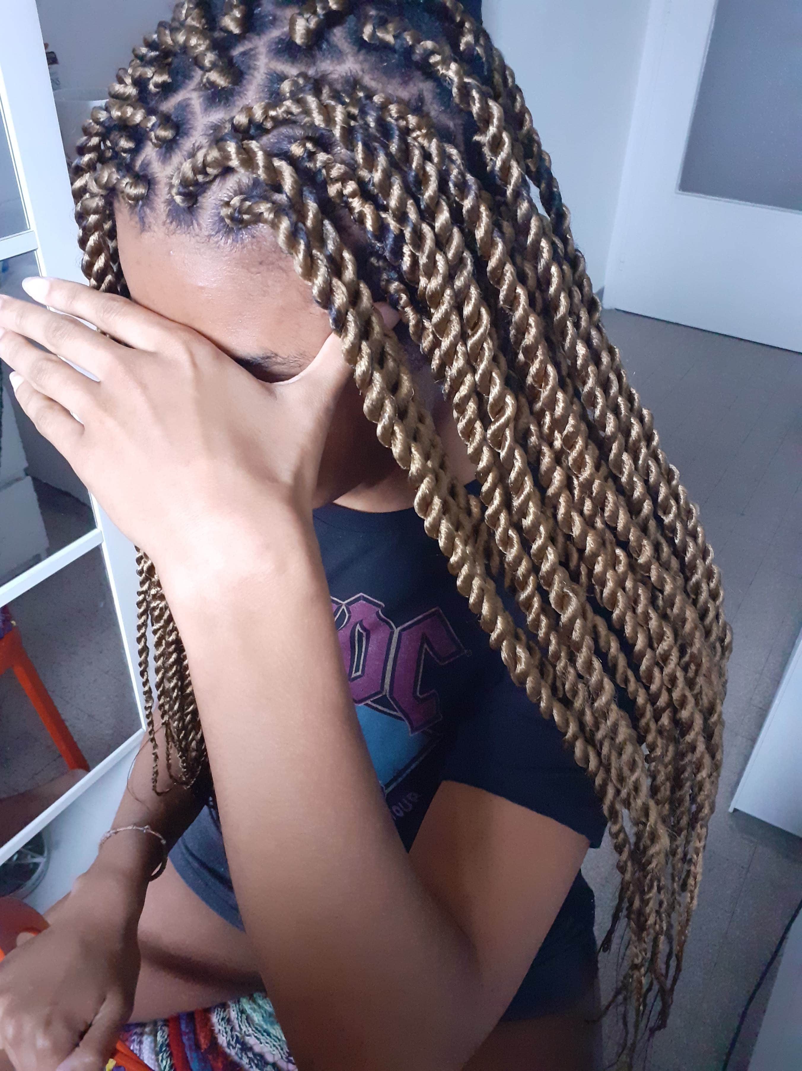 salon de coiffure afro tresse tresses box braids crochet braids vanilles tissages paris 75 77 78 91 92 93 94 95 SRRFWTTI