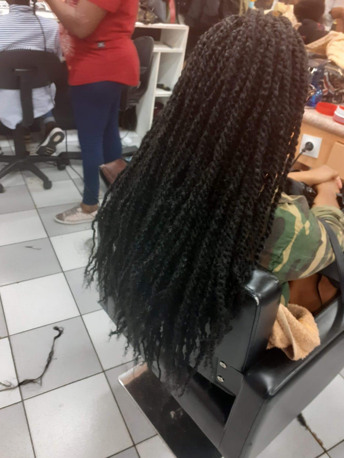 salon de coiffure afro tresse tresses box braids crochet braids vanilles tissages paris 75 77 78 91 92 93 94 95 EMQJHDKP