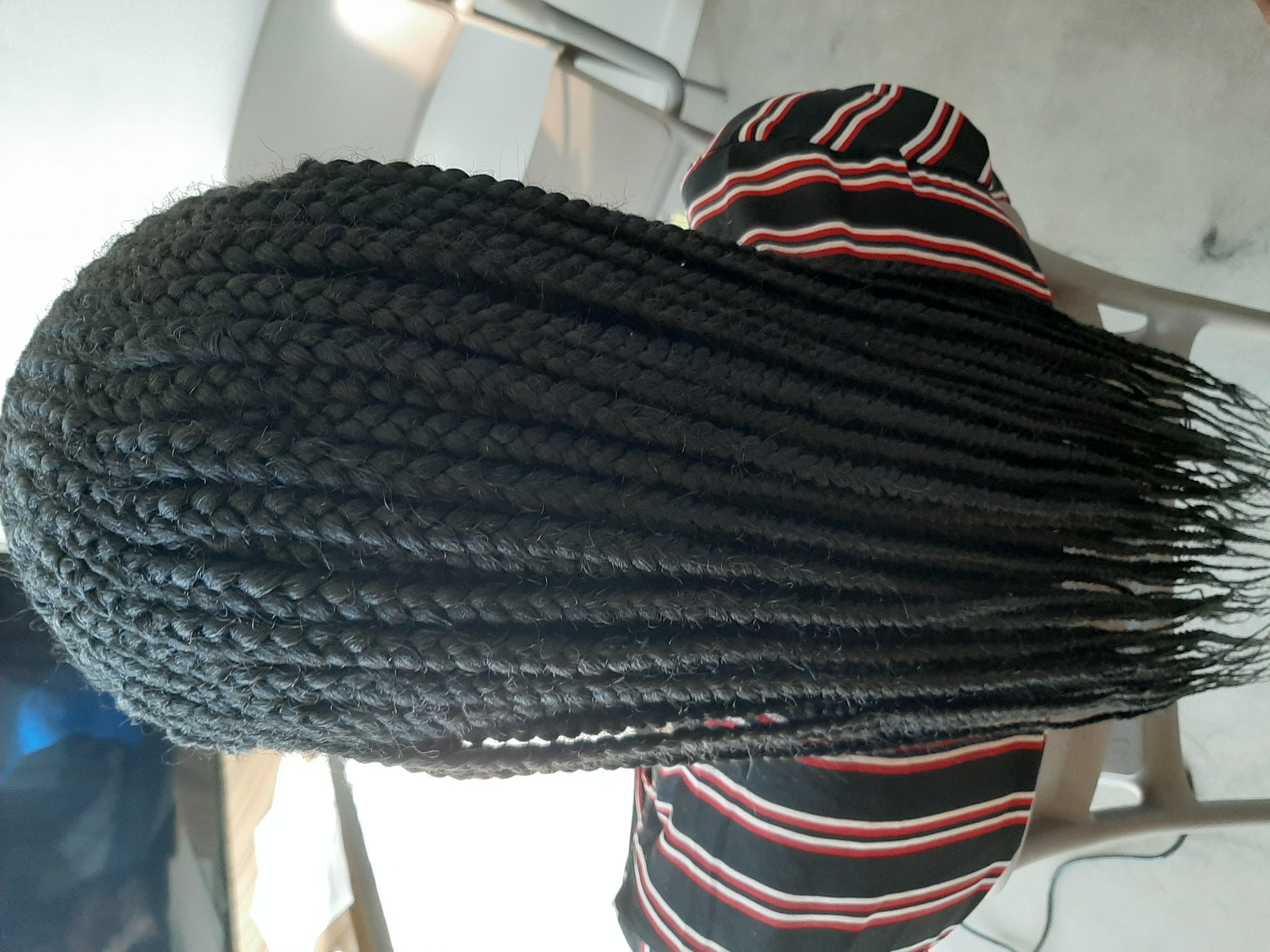 salon de coiffure afro tresse tresses box braids crochet braids vanilles tissages paris 75 77 78 91 92 93 94 95 AFBIKOFL