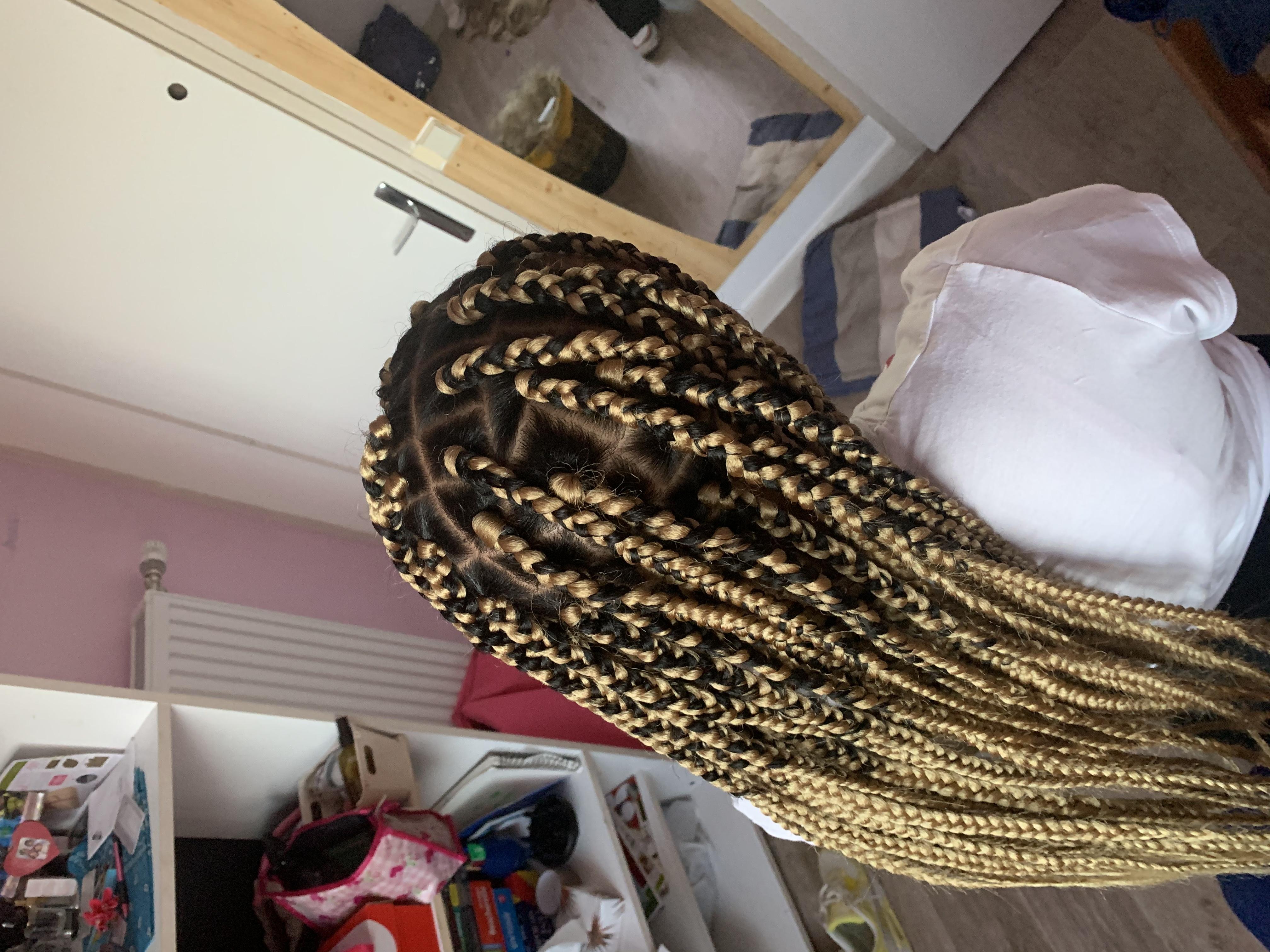 salon de coiffure afro tresse tresses box braids crochet braids vanilles tissages paris 75 77 78 91 92 93 94 95 SOCLQTKR