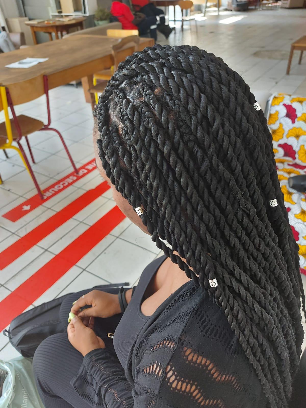 salon de coiffure afro tresse tresses box braids crochet braids vanilles tissages paris 75 77 78 91 92 93 94 95 YPMJVVZR