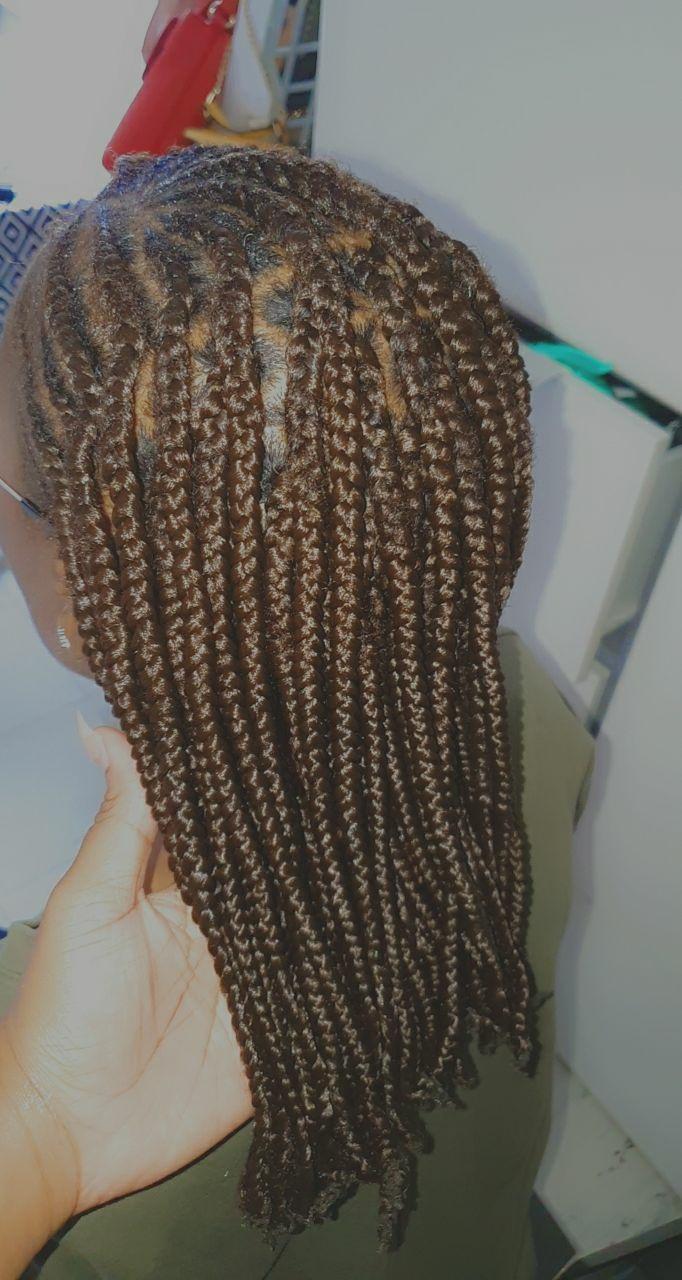 salon de coiffure afro tresse tresses box braids crochet braids vanilles tissages paris 75 77 78 91 92 93 94 95 REOECDGF