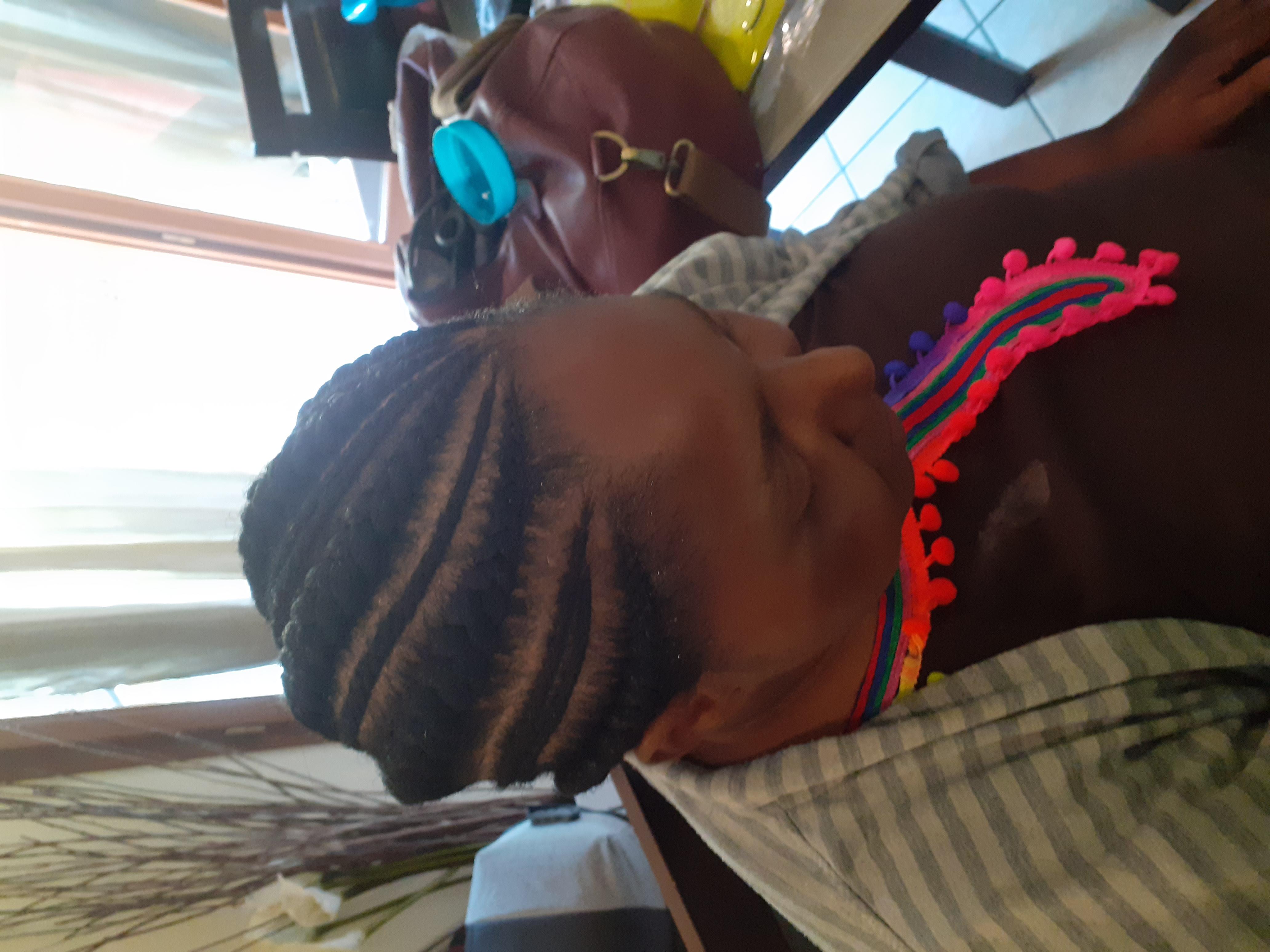 salon de coiffure afro tresse tresses box braids crochet braids vanilles tissages paris 75 77 78 91 92 93 94 95 LBNFRTEU