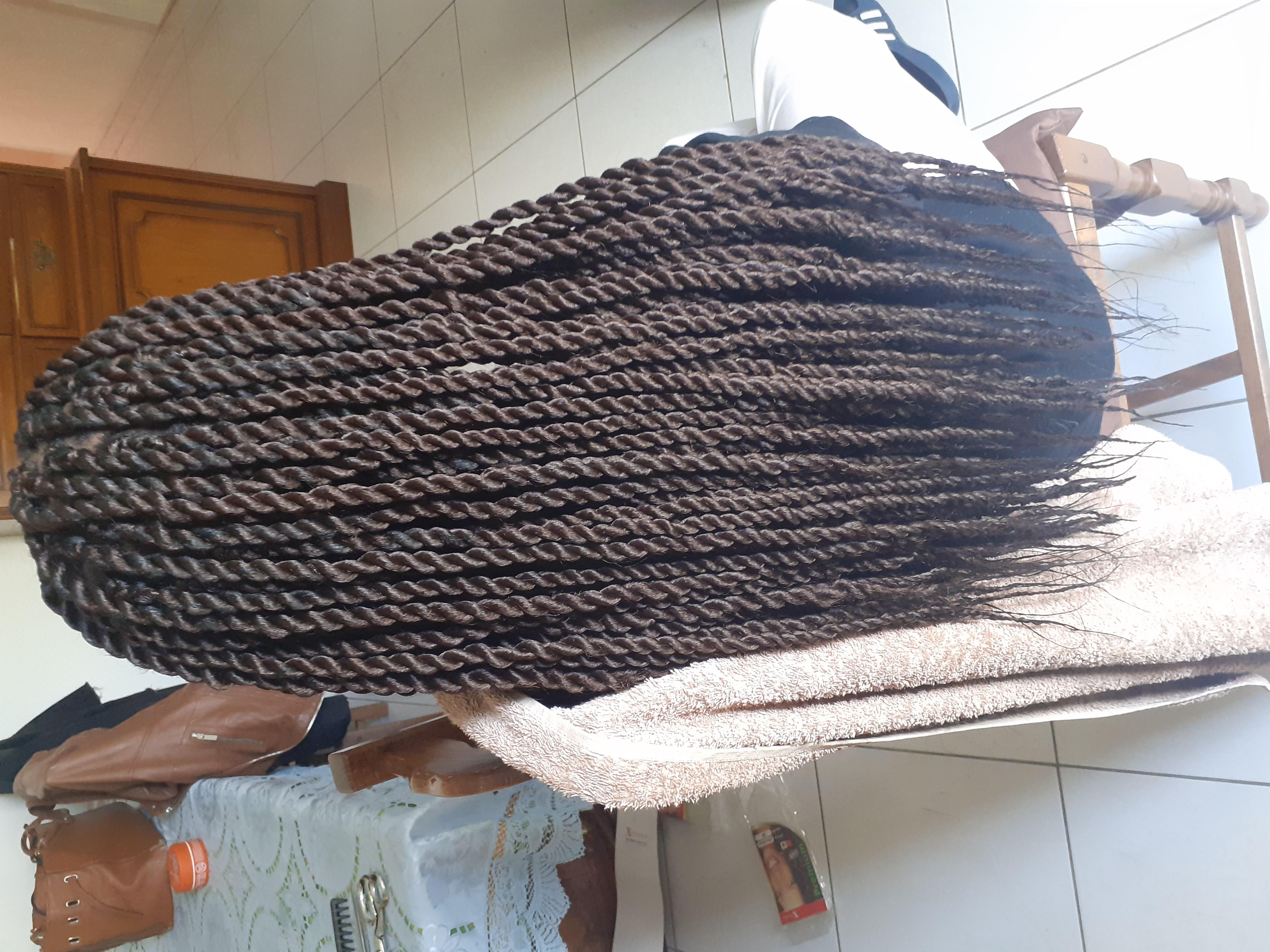 salon de coiffure afro tresse tresses box braids crochet braids vanilles tissages paris 75 77 78 91 92 93 94 95 SCENRIAQ