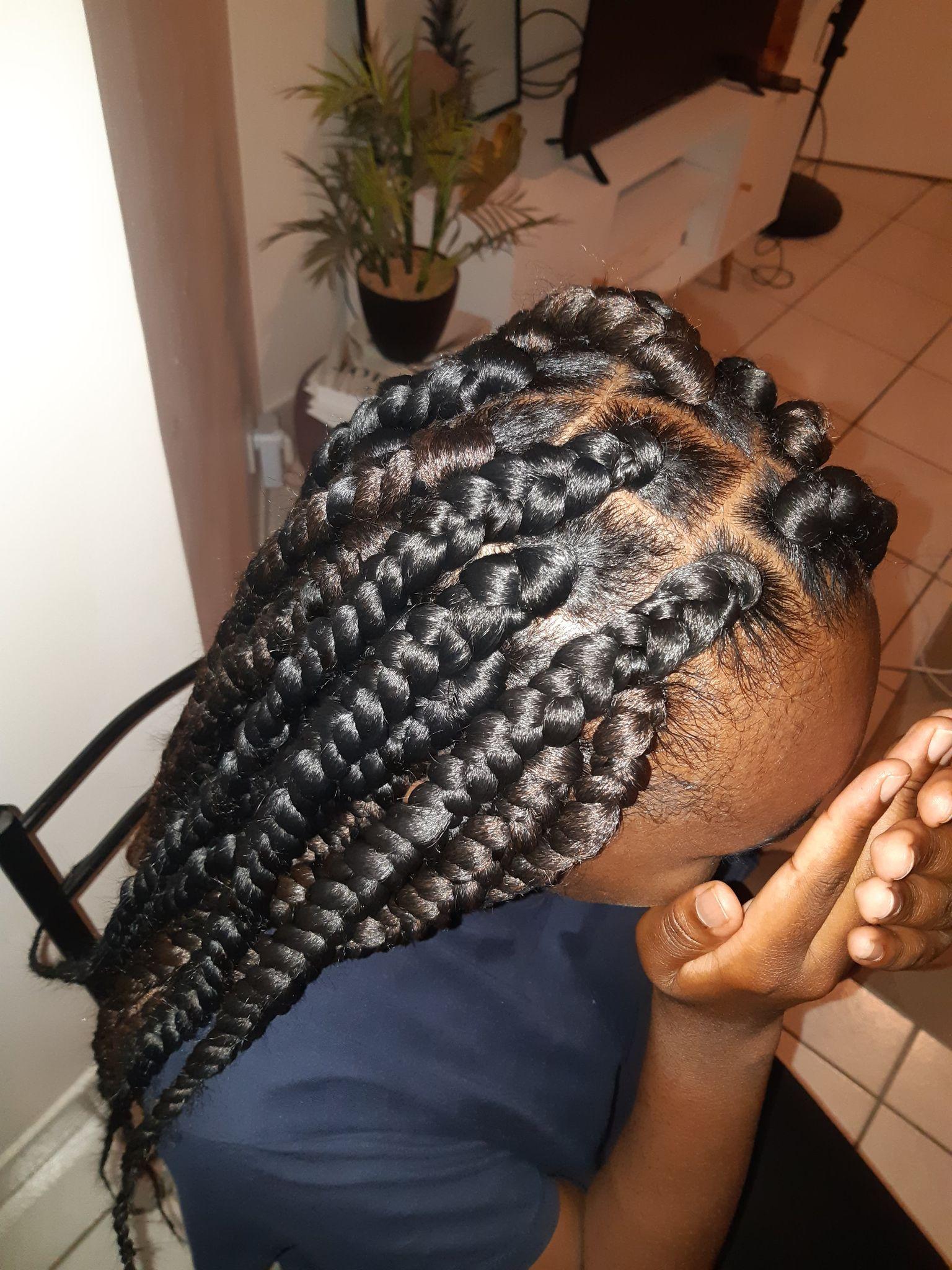 salon de coiffure afro tresse tresses box braids crochet braids vanilles tissages paris 75 77 78 91 92 93 94 95 IEVEQBNL