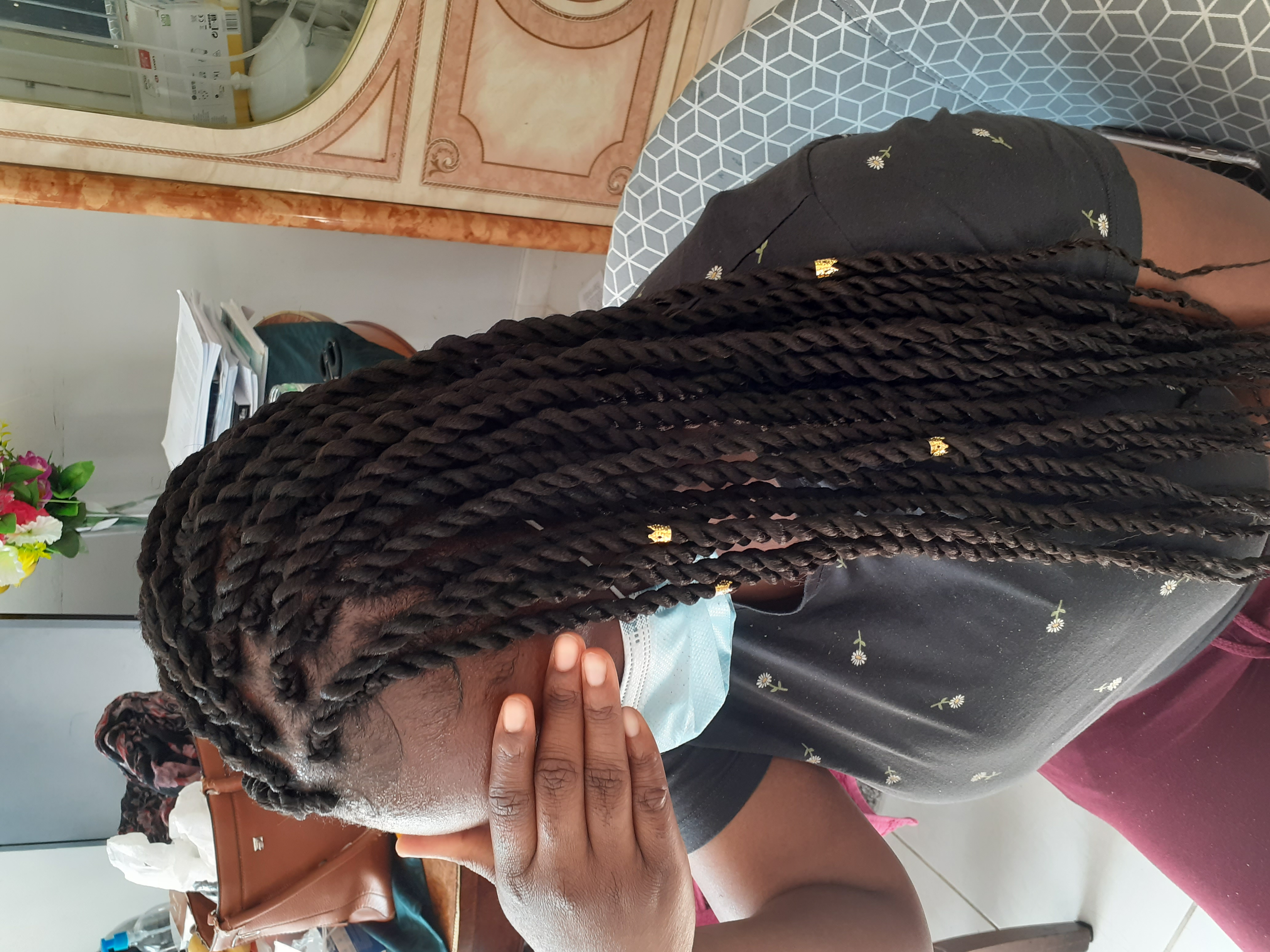 salon de coiffure afro tresse tresses box braids crochet braids vanilles tissages paris 75 77 78 91 92 93 94 95 TGJSTQTO