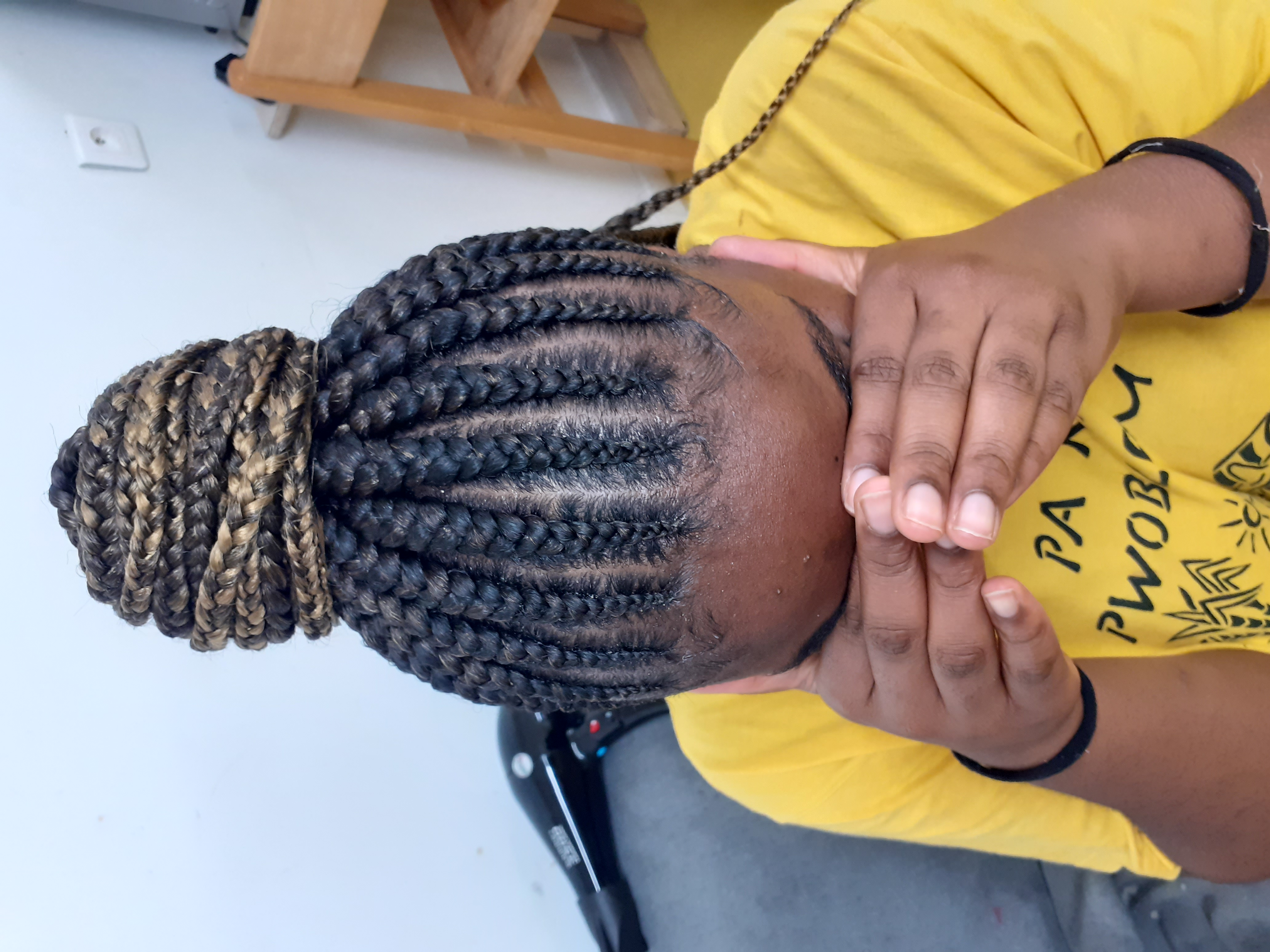 salon de coiffure afro tresse tresses box braids crochet braids vanilles tissages paris 75 77 78 91 92 93 94 95 HYGHIAOD