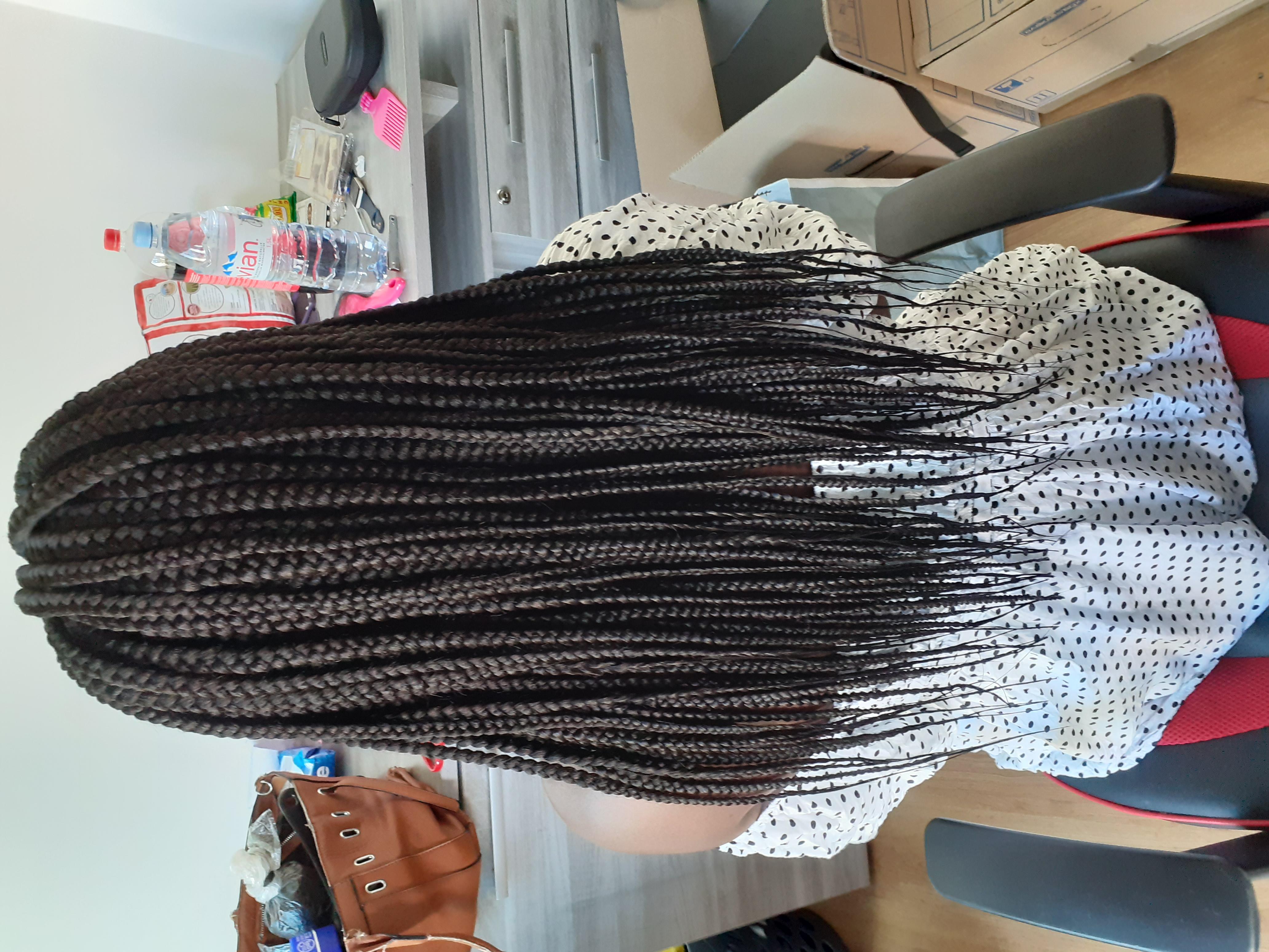 salon de coiffure afro tresse tresses box braids crochet braids vanilles tissages paris 75 77 78 91 92 93 94 95 KYRLCAEN
