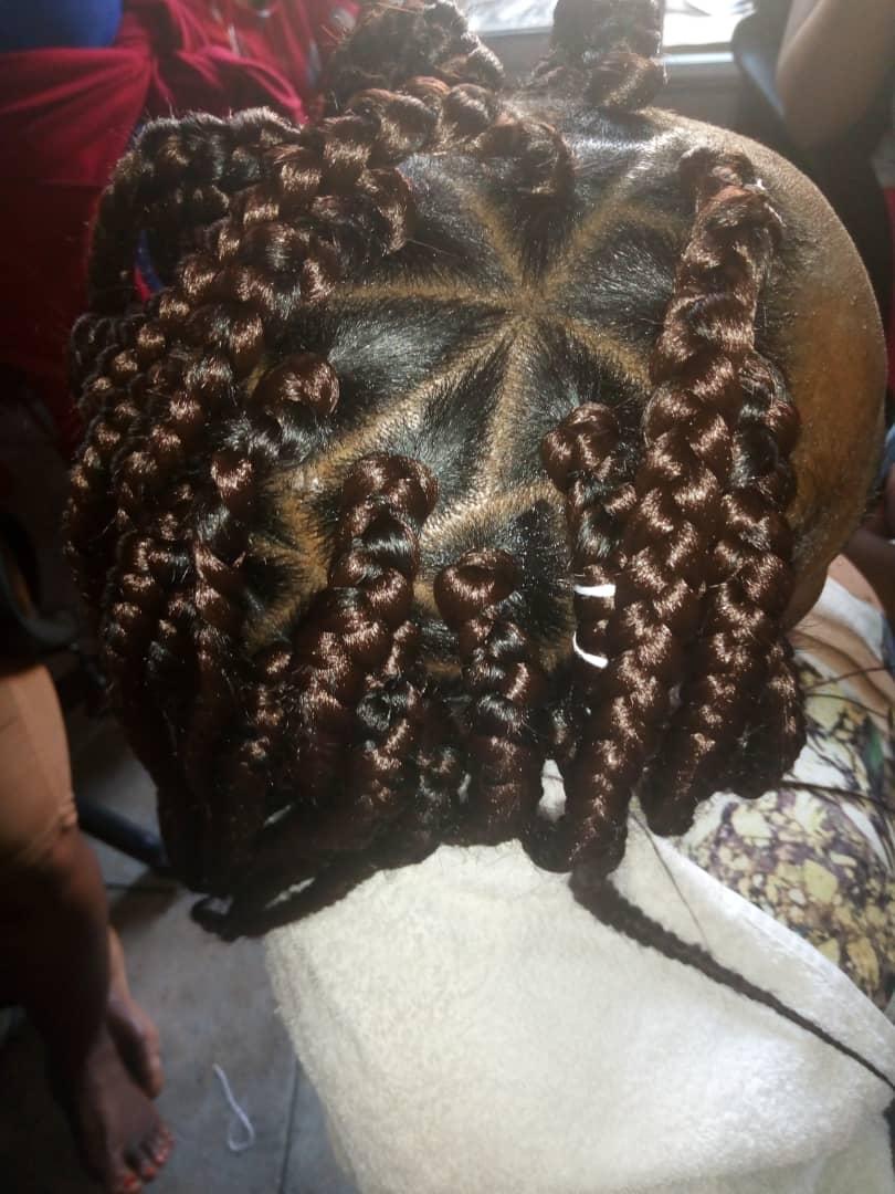 salon de coiffure afro tresse tresses box braids crochet braids vanilles tissages paris 75 77 78 91 92 93 94 95 PEGCTPKW