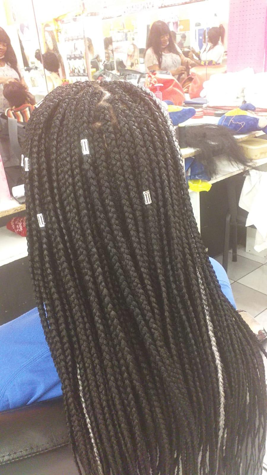 salon de coiffure afro tresse tresses box braids crochet braids vanilles tissages paris 75 77 78 91 92 93 94 95 TOJJLBSN
