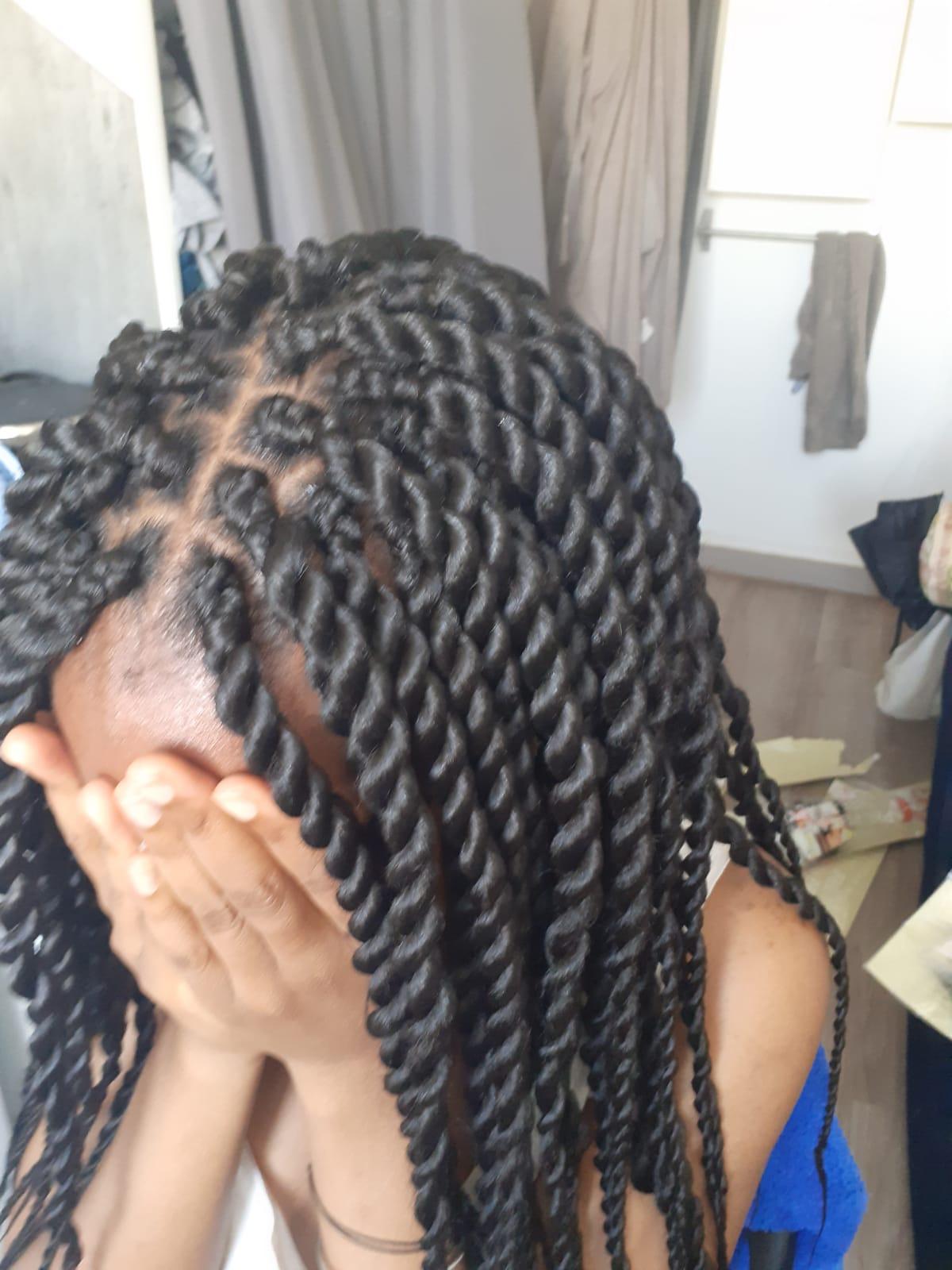 salon de coiffure afro tresse tresses box braids crochet braids vanilles tissages paris 75 77 78 91 92 93 94 95 ZYCRGYJP