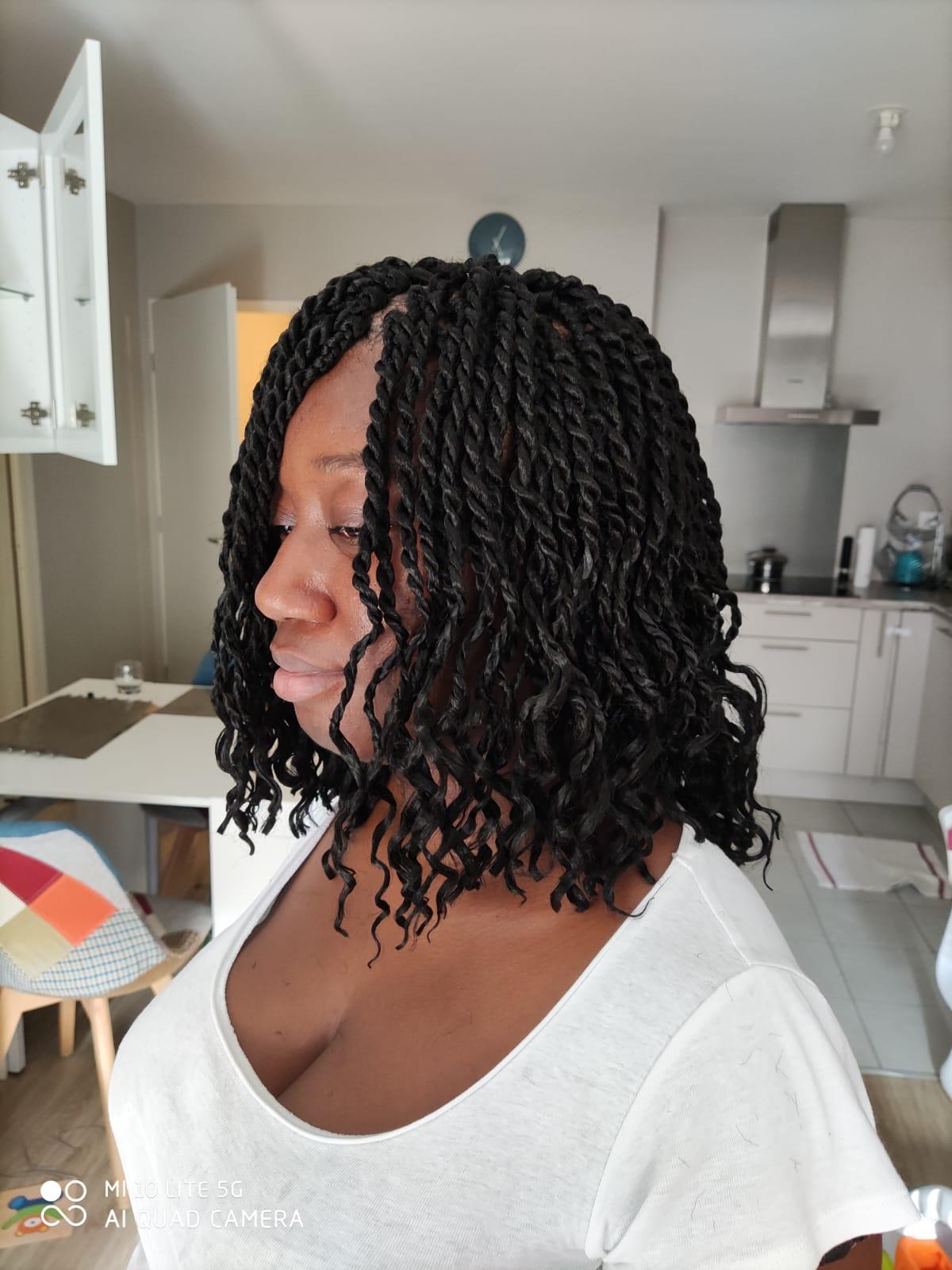 salon de coiffure afro tresse tresses box braids crochet braids vanilles tissages paris 75 77 78 91 92 93 94 95 KGONJELU