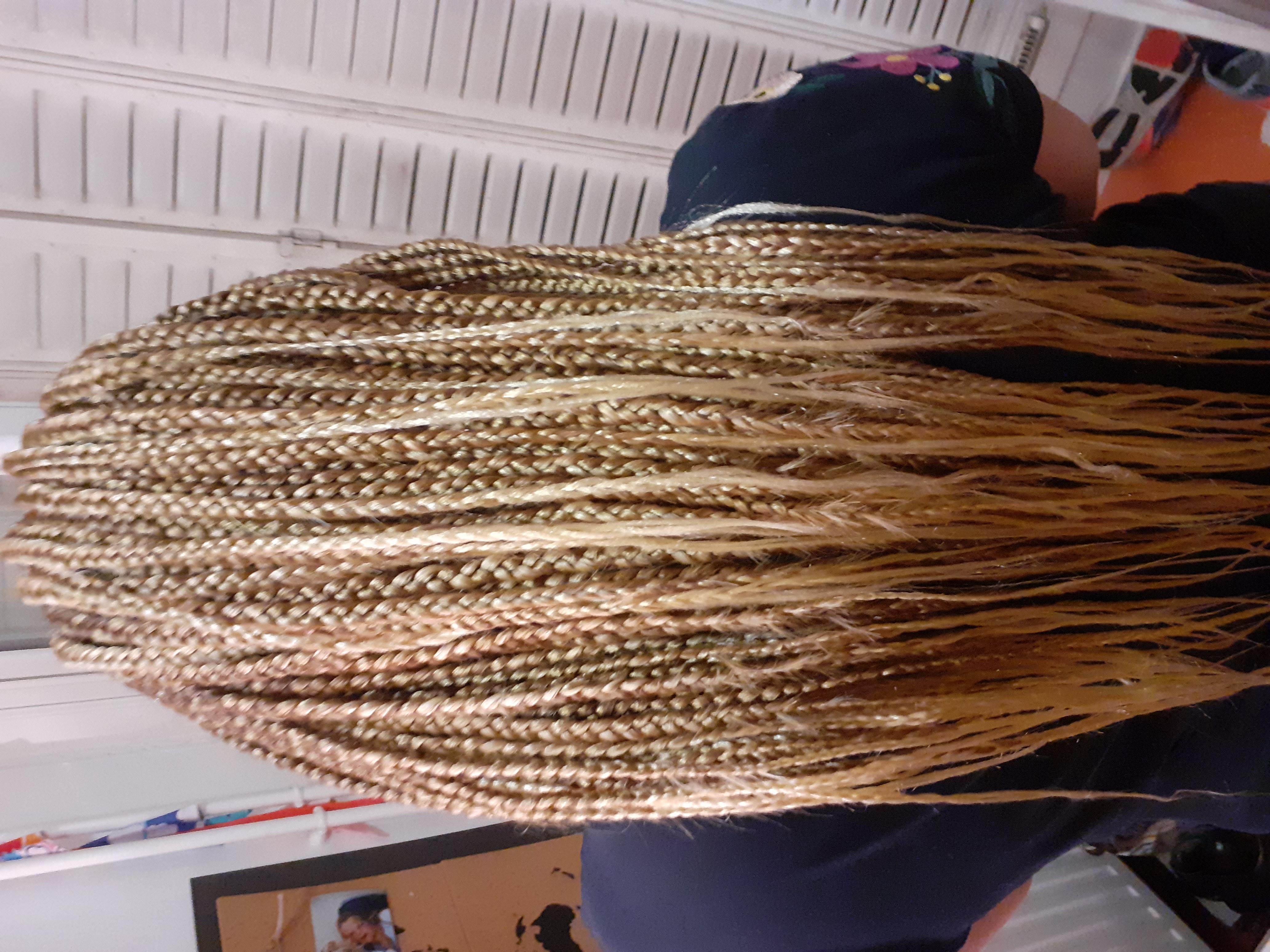 salon de coiffure afro tresse tresses box braids crochet braids vanilles tissages paris 75 77 78 91 92 93 94 95 FOMPLDAR