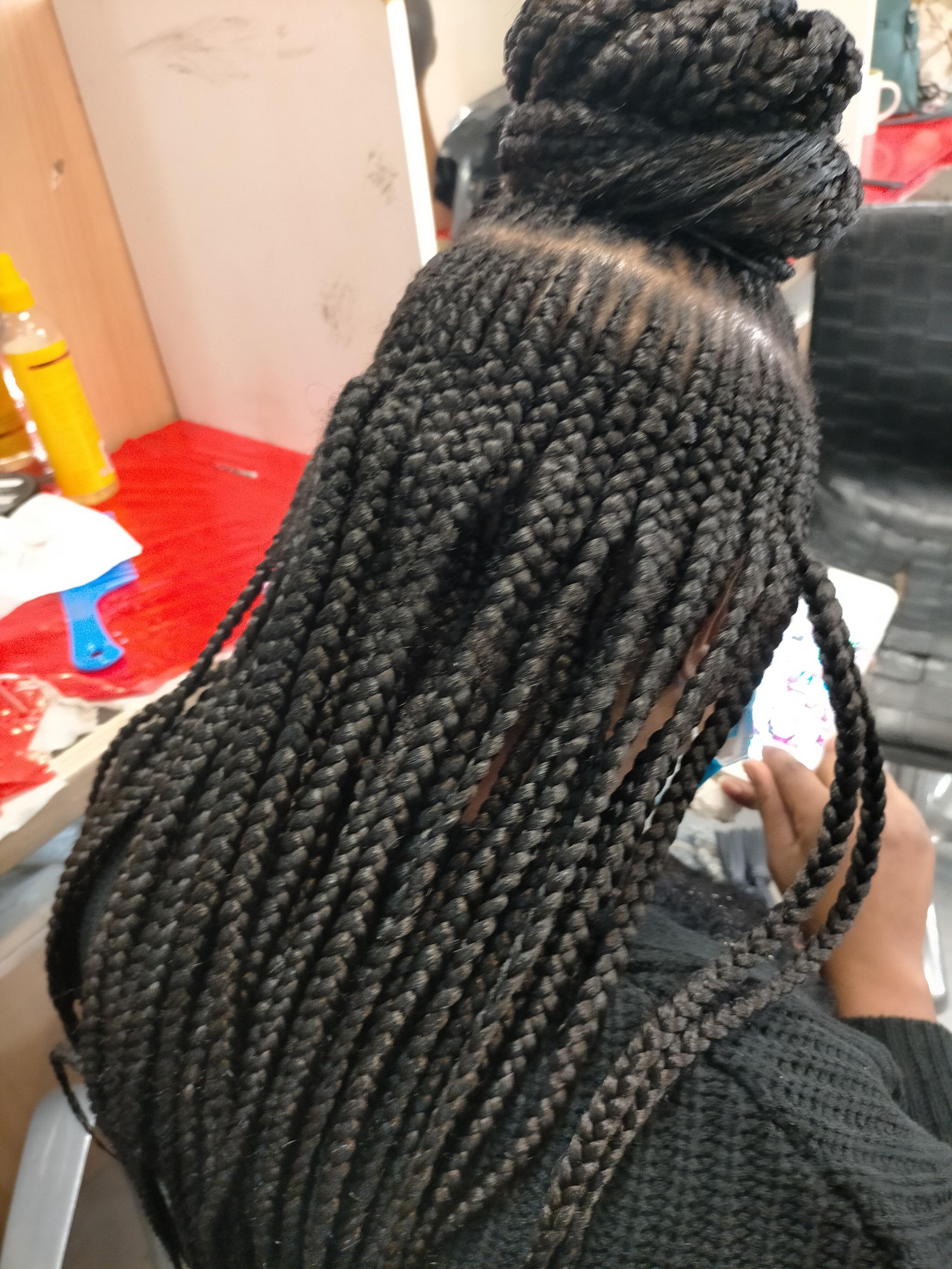 salon de coiffure afro tresse tresses box braids crochet braids vanilles tissages paris 75 77 78 91 92 93 94 95 SGUZOTNU