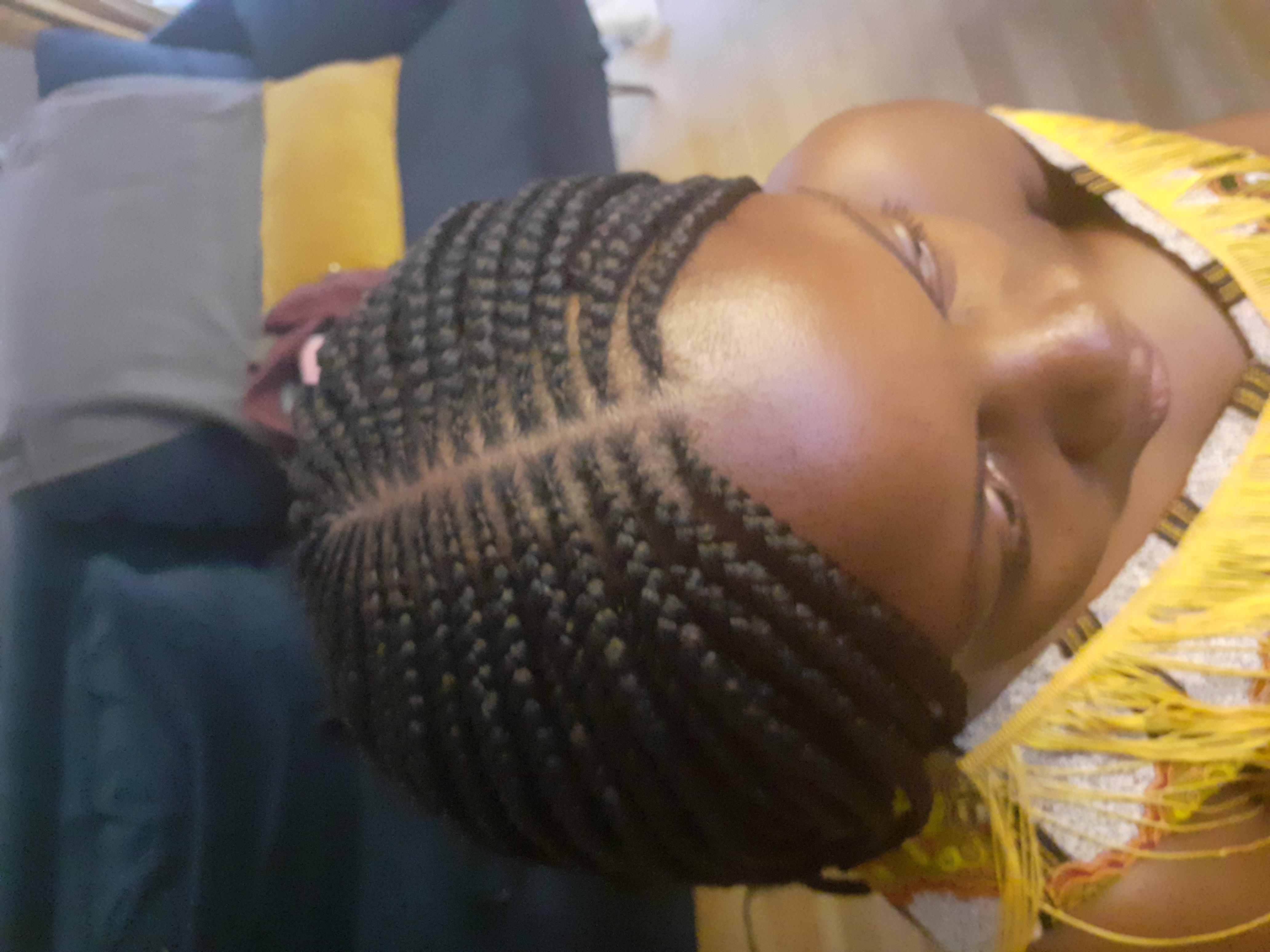 salon de coiffure afro tresse tresses box braids crochet braids vanilles tissages paris 75 77 78 91 92 93 94 95 RWNSTSFY