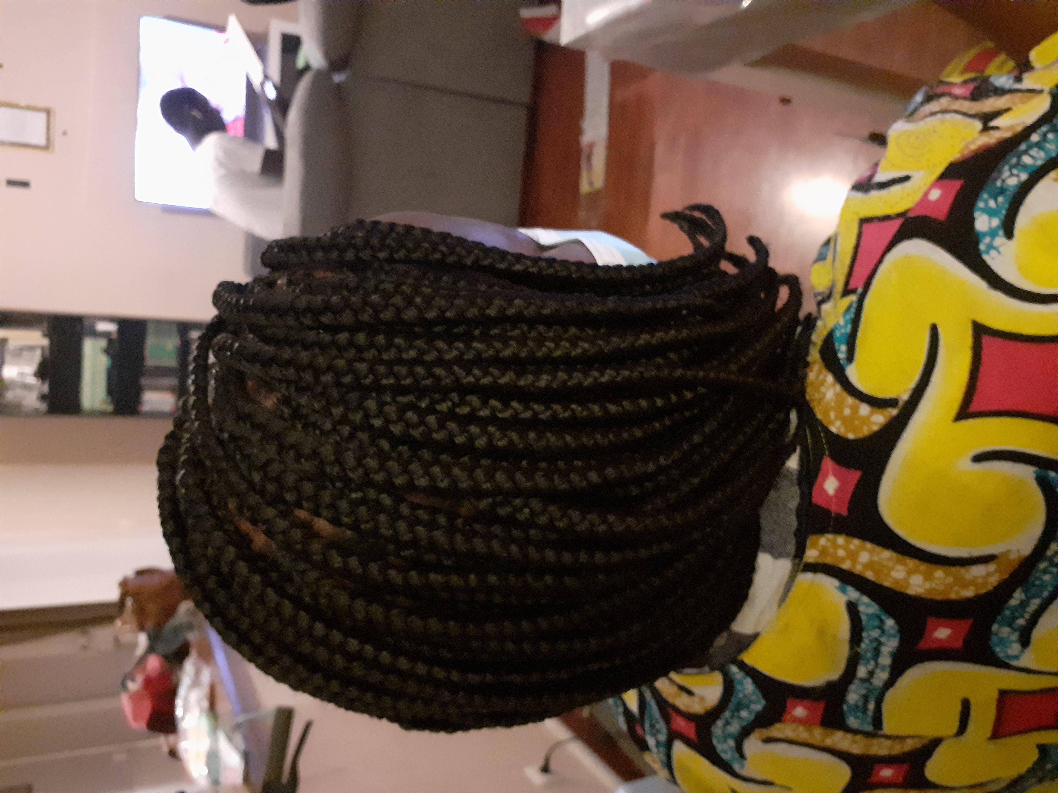 salon de coiffure afro tresse tresses box braids crochet braids vanilles tissages paris 75 77 78 91 92 93 94 95 SNXTHIPX