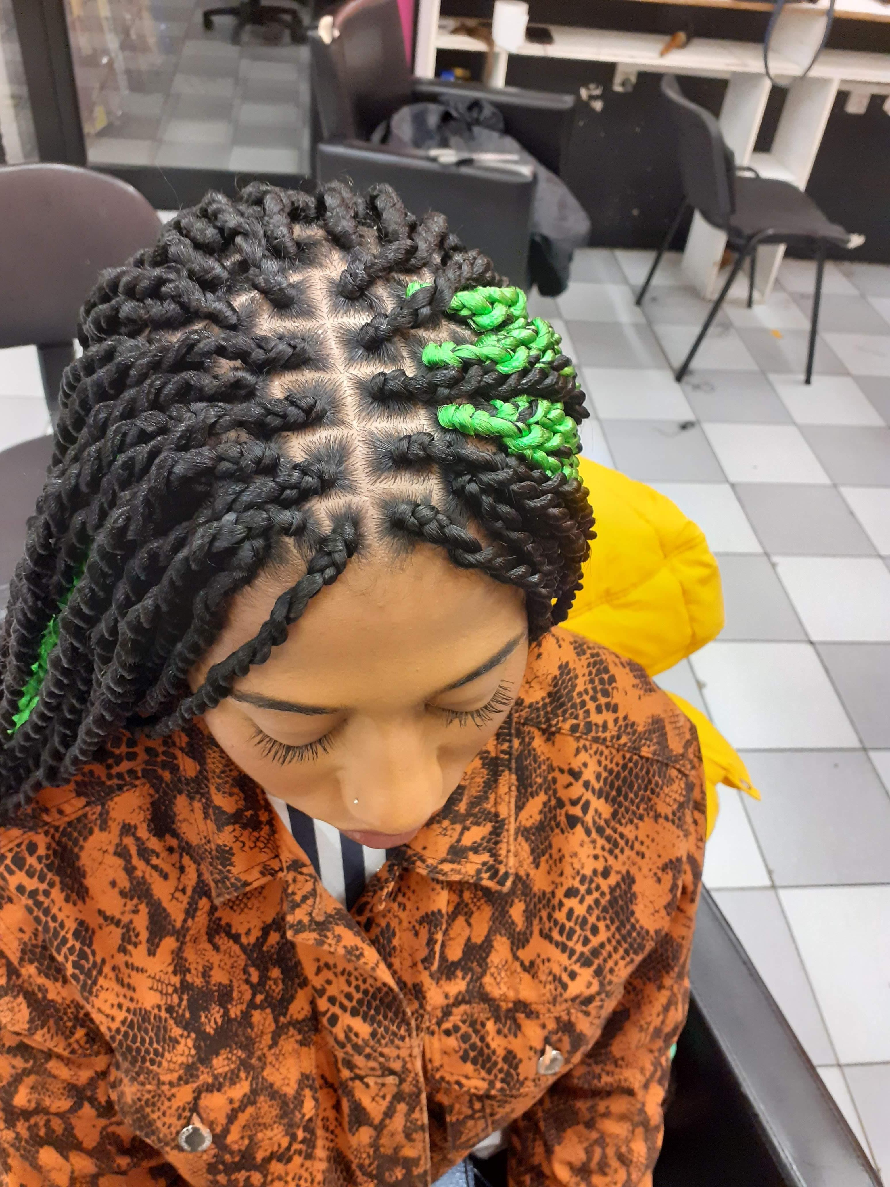salon de coiffure afro tresse tresses box braids crochet braids vanilles tissages paris 75 77 78 91 92 93 94 95 UTGVKSTX