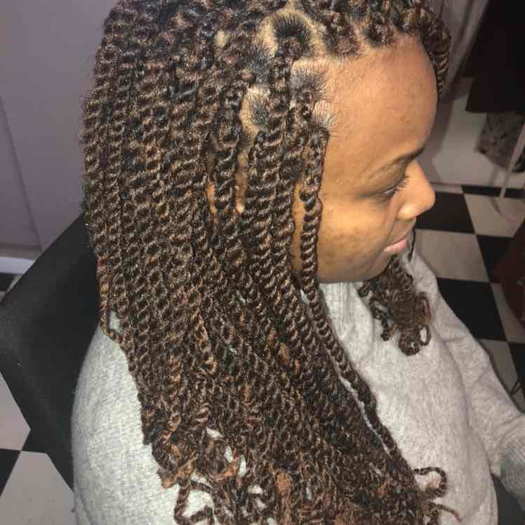 salon de coiffure afro tresse tresses box braids crochet braids vanilles tissages paris 75 77 78 91 92 93 94 95 UAFUMWLA
