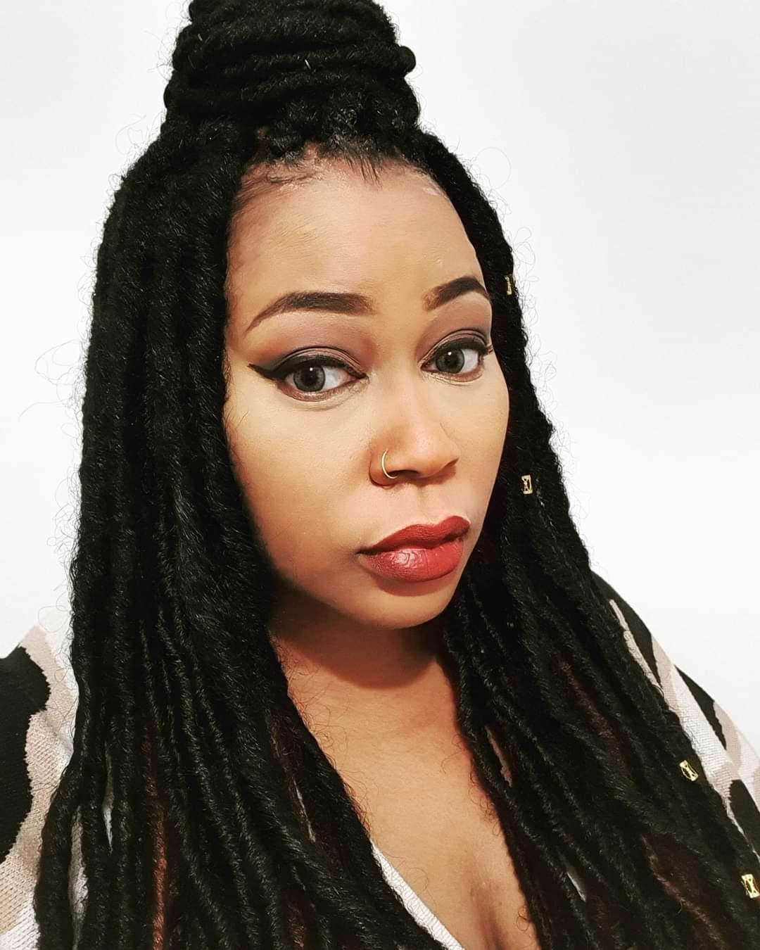 salon de coiffure afro tresse tresses box braids crochet braids vanilles tissages paris 75 77 78 91 92 93 94 95 OODBLZZB